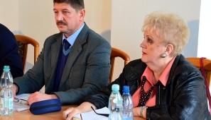 Na zdj. dyrektor Placówki Opiekuńczo-Wychowawczej, Jerzy Dąbrowski i Ewa Starczewska, psycholog.