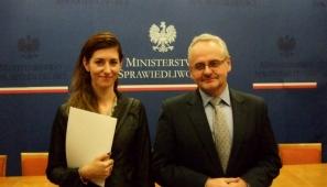 Na zdj. Monika Chrościelewska i wiceminister sprawiedliwości Wojciech Węgrzyn (archiwum prywatne).