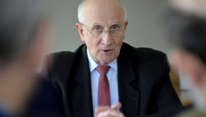Na zdj. Tadeusz Radziwonowicz, prezentujący XIV tom Rocznika.