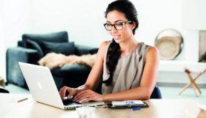 kobieta_laptop